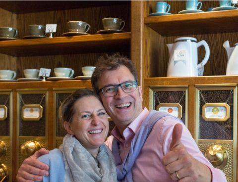 michael-und-claudia-gliss-in-ihrem-kaffeelaedchen